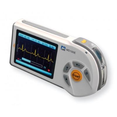 ECG / ELETTROCARDIOGRAFO PORTATILE PALMARE - DISPLAY LCD A COLORI - AUTOSPEGNIMENTO - 2 MODALITA DI MISURAZIONI